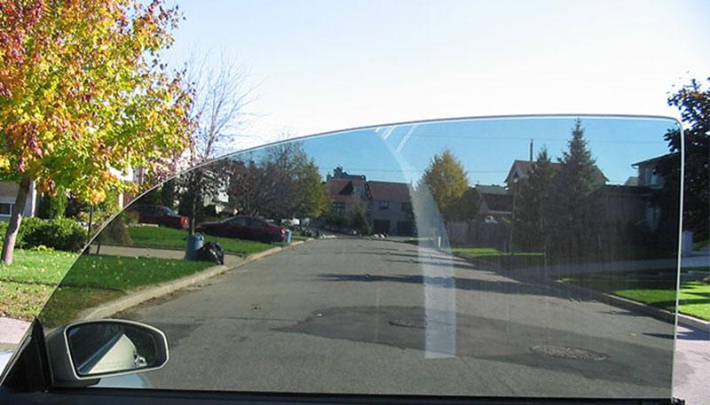 Giấy dán kính 1 chiều có dán được ô tô không