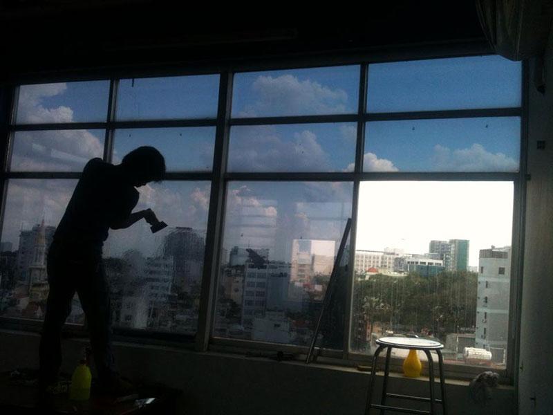 Dịch vụ dán kính chống nóng cách nhiệt cho văn phòng tại Hà Nội